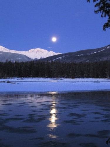 Visiting Jasper National Park, Moon Athabasca River