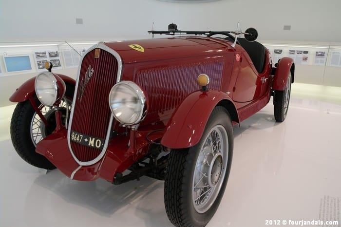 Old Ferrari Enzo 7
