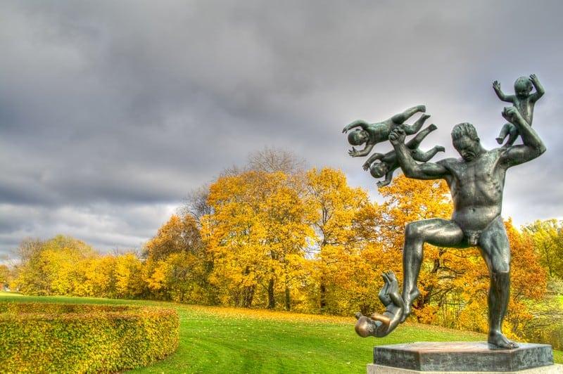 Oslo Guide Vigeland Park, Crazy Baby Statue Oslo