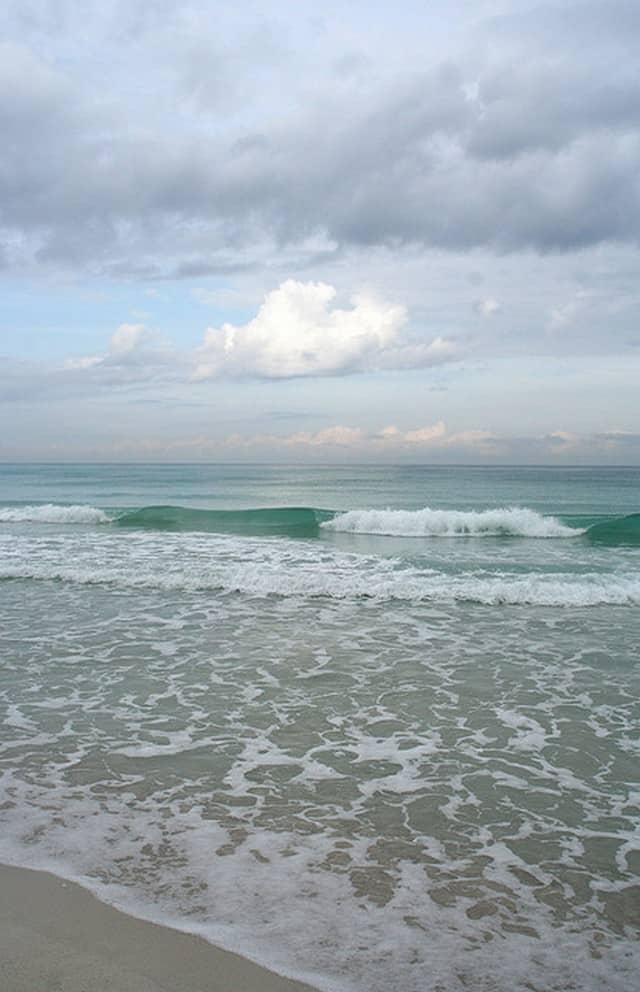 Outdoor Activities in Cuba - Surfing