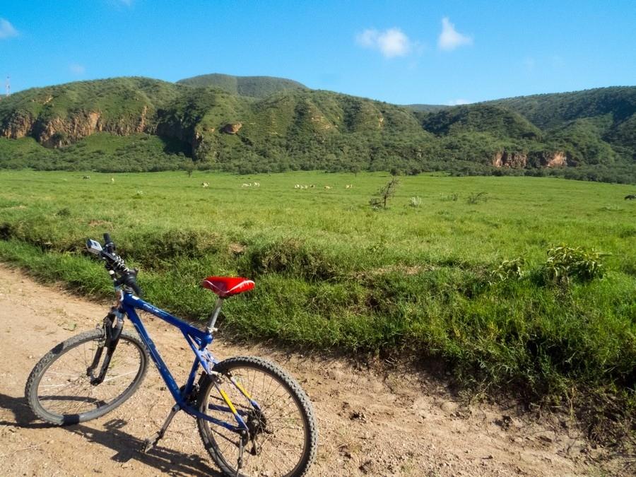 Mountain-Biking-in-Hells-Gate-National-Park-Kenya.jpg