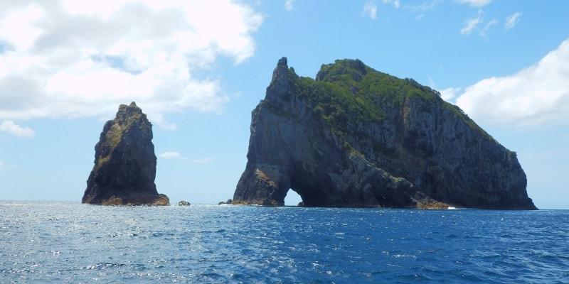 Hole in the Rock, Cape Brett in the Bay of Islands