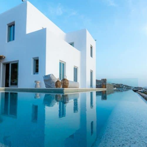 https://mykonos.luxury/wp-content/uploads/VILLAS/Bella/VillaBella_inOrnos_MykonosLuxury42-500x500.jpg